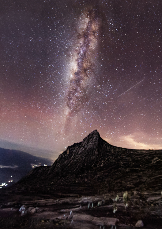Starry night on top of Mount Kinabalu